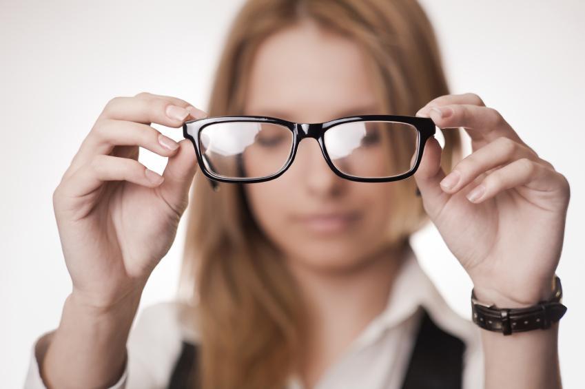 08aaa4e68a Gafas graduadas: pros y contras | Blog de Clínica Baviera