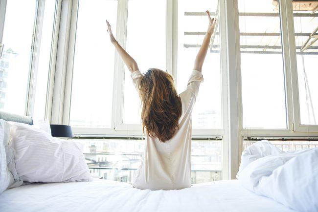2. Por la mañana me levanto y…