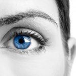 Manchas azules en los ojos, ¿es una mala señal?