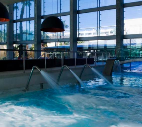 Plan Amigo de Clínica Baviera. Aquum spa piscina