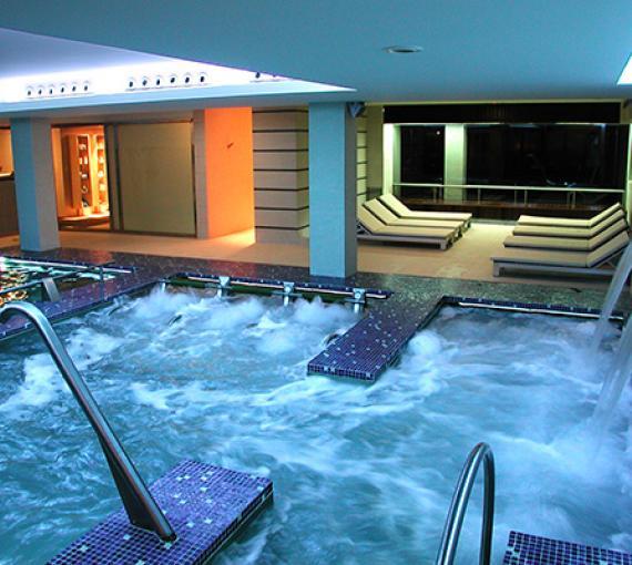 Plan Amigo de Clínica Baviera. Spa piscina