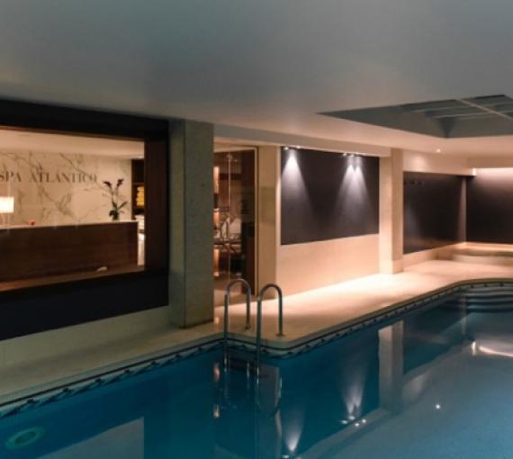 Plan Amigo de Clínica Baviera. Spa Atlántico piscina