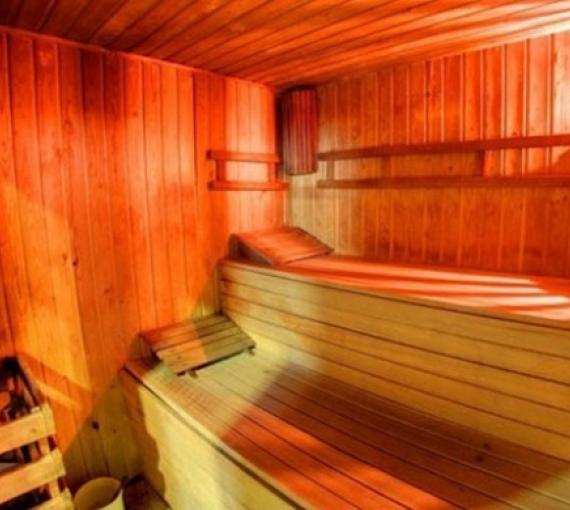 Plan Amigo de Clínica Baviera. Parque Cazorla sauna