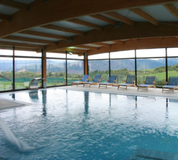 Plan Amigo de Clínica Baviera. Torazo piscina